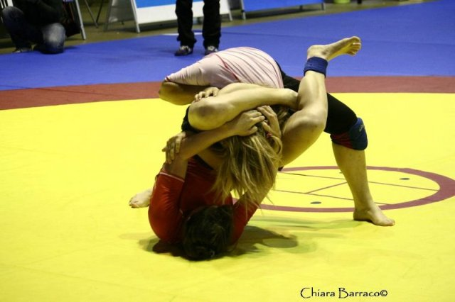 campionatograppling triangle julia.jpg