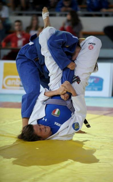 julia arm bar.jpg